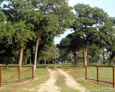 La Vernia Residential Lots & Land New: 242 Oak Valley Rd