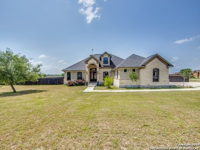 Floresville Single Family Home For Sale: 116 Abrego Run Dr
