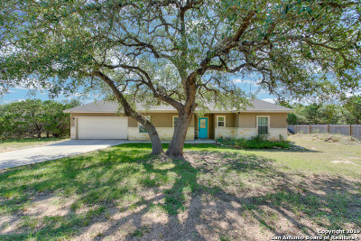Canyon Lake Single Family Home For Sale: 1371 Rocky Ridge Loop