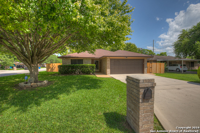 New Braunfels Single Family Home Active Option: 21 Salado Dr