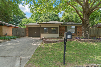 Cibolo Single Family Home Active Option: 111 Bramblewood Circle
