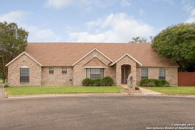 Hondo Single Family Home Active Option: 1205 Robin Ct