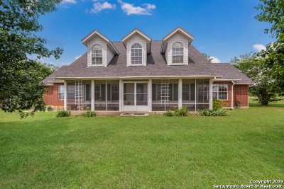 Floresville Single Family Home Active Option: 383 Hidden Ranch Ln