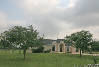 Castroville Single Family Home Active Option: 252 County Road 4516