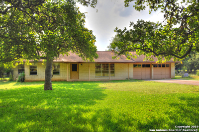 Boerne Single Family Home Active Option: 116 Sharon Dr