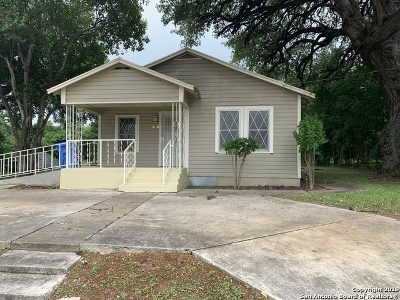 Seguin Single Family Home For Sale: 406 Dolle Ave