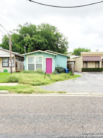 Floresville Single Family Home For Sale: 1318 4th St