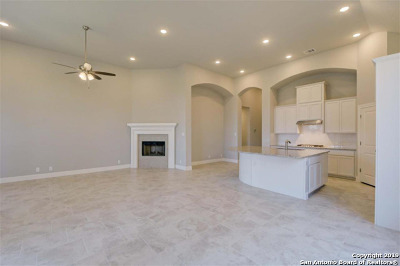 Boerne Single Family Home For Sale: 9715 Innes Place