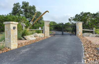 Boerne Single Family Home Active Option: 224 Greystone Circle