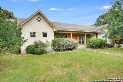 Boerne Single Family Home For Sale: 711 Cypress Bend Dr