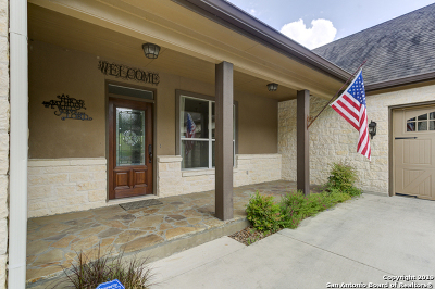 New Braunfels Single Family Home For Sale: 554 Winding View