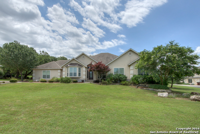 New Braunfels Single Family Home For Sale: 210 Hidden Pt
