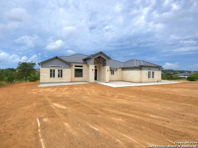 New Braunfels Single Family Home For Sale: 1821 Bardolino