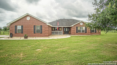 Adkins Single Family Home Active Option: 115 Home Place Dr