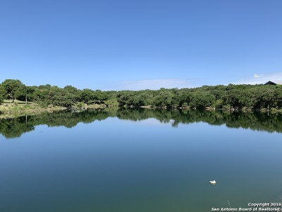 Canyon Lake Residential Lots & Land For Sale: 643 Kings Point Dr