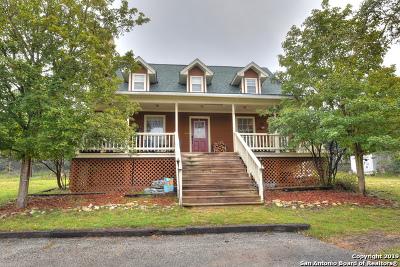 Lakehills Single Family Home Active Option: 212 Forest Ridge Dr