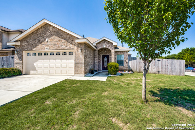 Helotes Single Family Home New: 9814 Leubeck Ranch