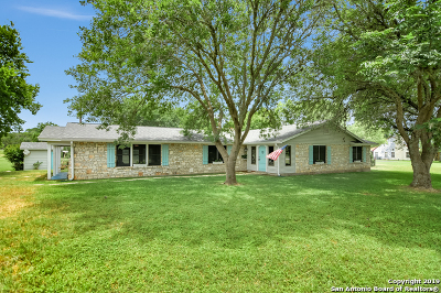Boerne Single Family Home For Sale: 111 W Fabra Ln