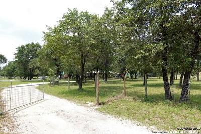 Atascosa County Single Family Home New: 80 Cornet Ln