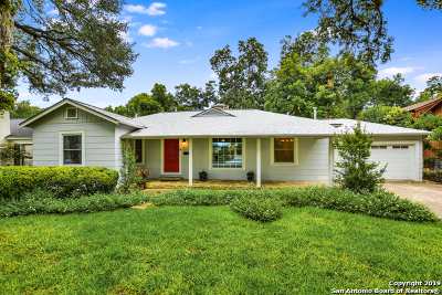 Single Family Home Active Option: 134 E Edgewood Pl