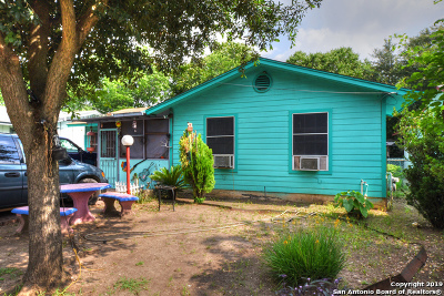San Antonio Single Family Home For Sale: 5927 McDavitt Rd