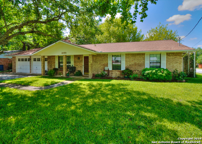New Braunfels Single Family Home For Sale: 1659 Old Marion Rd