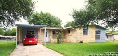 San Antonio Single Family Home New: 7830 Pony Ln