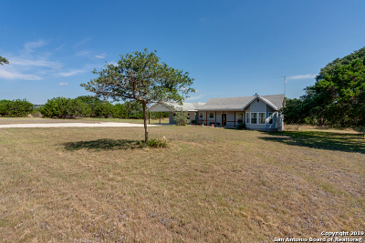 Blanco Single Family Home Active Option: 725 Lonesome Loop