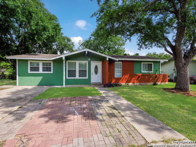 Universal City Single Family Home New: 233 Park Ln