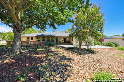 Cibolo Single Family Home Active Option: 236 Green Valley Loop