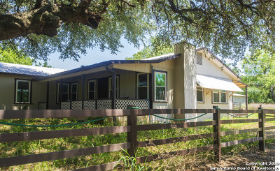San Antonio Single Family Home For Sale: 9720 Elmendorf Lavernia Rd