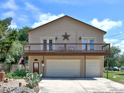 Comal County Single Family Home New: 241 Friendlywood Dr