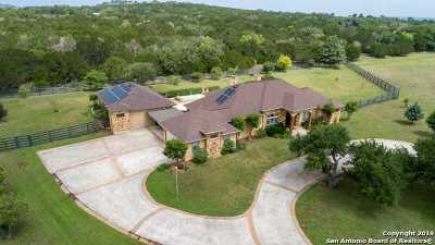 Kerrville Single Family Home For Sale: 280 Bluebird Dr