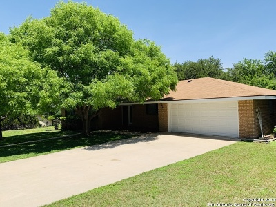 Kerrville Single Family Home Price Change: 213 Skyview Dr