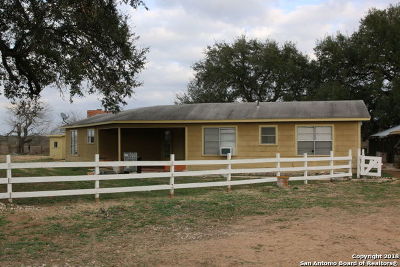 Atascosa County Single Family Home For Sale: 970 River Oaks Dr