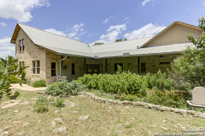 New Braunfels Single Family Home Active Option: 211 Hidden Pointe