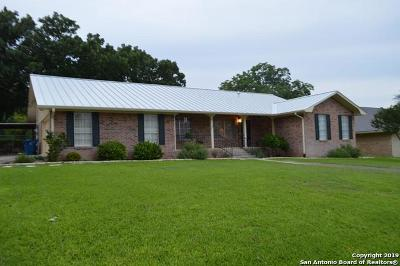 Kerrville Single Family Home For Sale: 708 Overhill Dr N