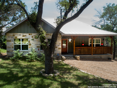 Canyon Lake Single Family Home For Sale: 2513 Grandview Forest