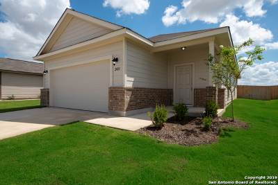 Seguin Single Family Home For Sale: 2421 Ranger Pass