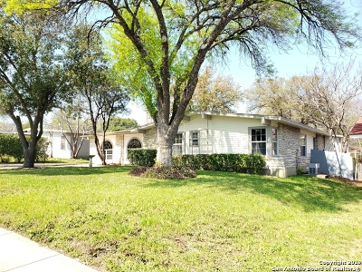 Single Family Home For Sale: 615 Marquis Ln