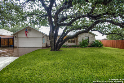 Atascosa County Single Family Home Active Option: 321 Colony Dr