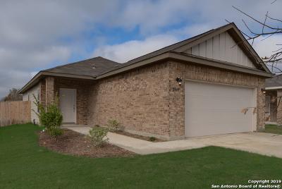 Seguin Single Family Home For Sale: 2448 Ranger Pass
