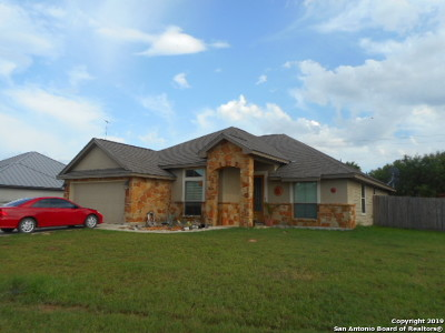 Atascosa County Single Family Home For Sale: 1757 Stone Haven