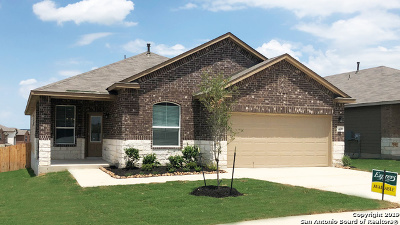 Cibolo Single Family Home For Sale: 420 Swift Move