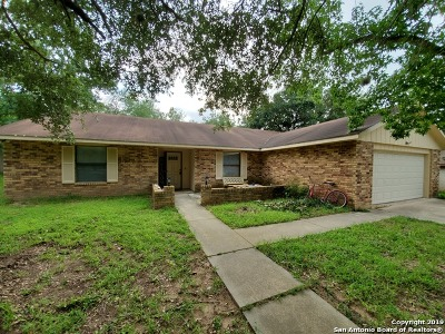 Atascosa County Single Family Home For Sale: 132 Massad Dr