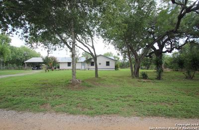 Adkins Single Family Home For Sale: 182 Oak Park Rd
