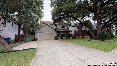 Single Family Home Active Option: 8810 Sarasota Woods