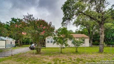 Atascosa County Single Family Home For Sale: 280 Waxwing Dr