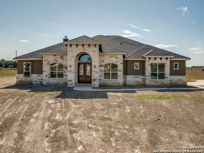 Blanco Single Family Home For Sale: 912 S Jesse Stiff