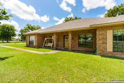 Atascosa County Single Family Home For Sale: 16540 Fm 463